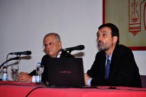 Manuel García Villalba fue el moderador del acto. / Foto: Pablo Sayago.