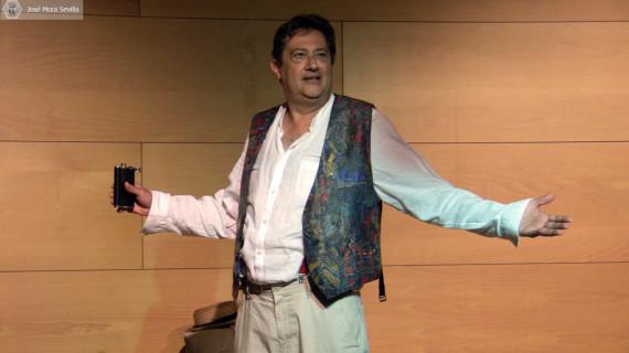El actor onubense José Antonio Ruiz interpreta el monólogo 'La leyenda del pianista'