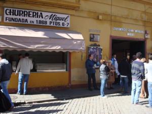 Fachada del Mercado del Carmen, poco antes de su derribo en marzo de 2010.