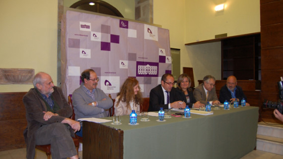 El onubense Juan Carlos de Lara gana el XXXIV Premio Leonor de Poesía