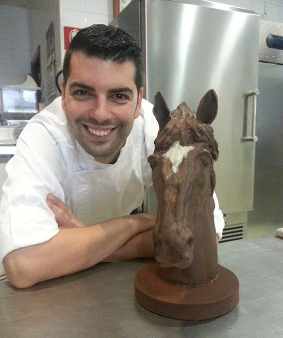 Sergio es un artista con el chocolate.