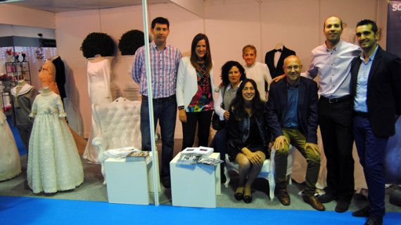 Una treintena de empresas participan en la VI Feria de la Boda de Valverde del Camino