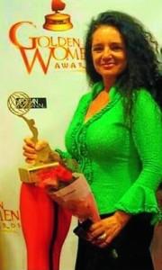 La artista se define como cantautora flamenca experta en músicas del mundo.