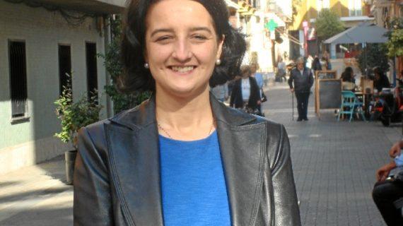 Bella Carballo recibe el X Premio a la 'Implicación Social en las Universidades Públicas de Andalucía'