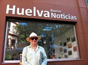 José Bacedoni, ante la sede de HBN.