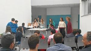 Los asistentes han podido interactuar con los investigadores y profesores de la institución académica.