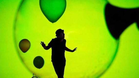 Trigueros acoge este fin de semana el mejor teatro familiar con la obra 'Burbujas de papel'