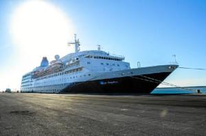 Imagen del crucero que ha llegado a Huelva. / Foto: Cinta García.