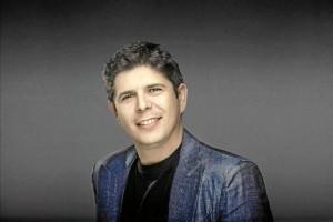 El pianista nervense concede una entrevista a HBN en medio de su gira internacional.