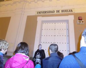 Los participantes pudieron entrar de noche en el campus de La Merced.