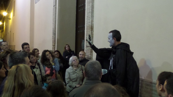 De la Plaza del Titán a la sede del IAJ, historias y personajes de la Huelva más misteriosa