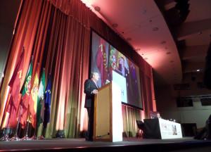 Targhetta abordó temas como el cambio y la globalización.
