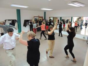 Clases de baile de Cultura en los Barrios.