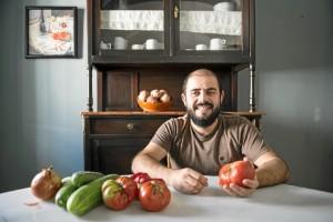 Sebas Molina, promotor del proyecto Tomates felices. /Foto  Vanesa Nuñez, (Vanniedades es su página de Facebook).