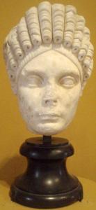 Busto de la hermana de Trajano, Marciana, que vivió con su hermano y Pompeya.