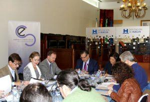 García del Hoyo ha hablado de una tenue mejoría del mercado de trabajo.
