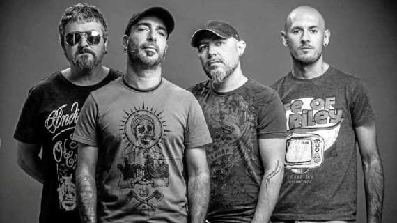 El grupo onubense de rock 'Adrophonic' presenta su primer disco en la Casa Colón