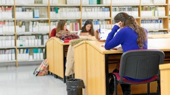 La Biblioteca de la Onubense, más accesible a través de internet