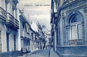 Calle de Ricos. La casa natal de José Isidoro Morales aparece en tercer lugar en la acera de la izquierda. / Foto: Manuel José de Lara.