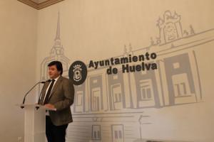 Gabriel Cruz, alcalde de Huelva, confirma que el Recre podrá inscribir jugadores tras recuperar sus derechos federativos.