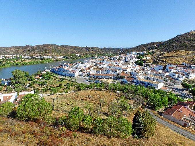 Alájar y Sanlúcar del Guadiana, dos de los pueblos más bonitos de Andalucía según el diario 'El Mundo'