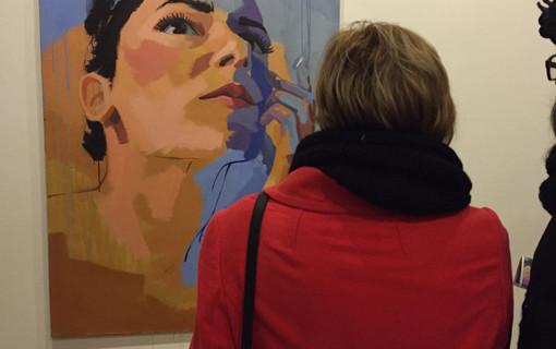 Retratos, paisajes y bodegones trazados por Cristina Caleza se exponen en Gibraleón