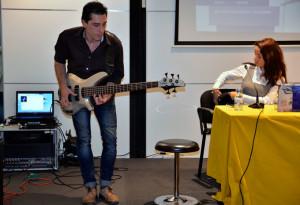 Música en directo con Pedro Reis.