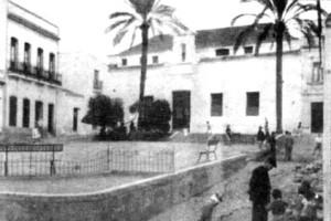 Una imagen antigua de la Plaza de la Soledad. / Foto: rabida.uhu.es
