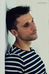 Manuel trabaja en cine, televisión y teatro.