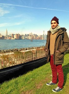 Entre 2010 y 2012, ya vivió en Nueva York, cursando un máster de escritura en New York University, con la ayuda de una beca Talentia.