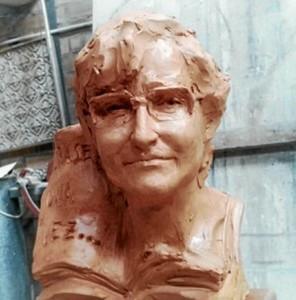 Escultura dedicada a Loles Gutiérrez, realizada por el artista palmerino Martín Lagares.