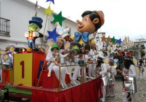 Tras el pasacalles hubo una gran fiesta carnavalera.