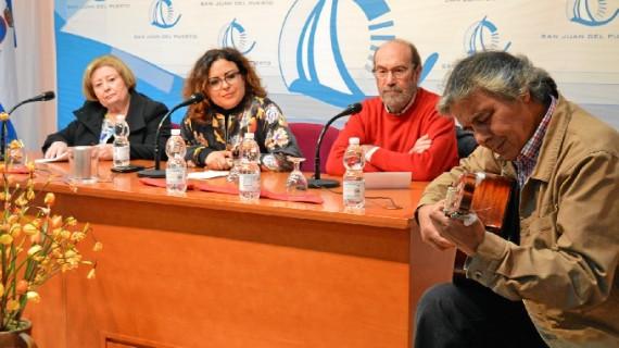 """Los """"Poetas de Huelva por la Paz"""" llevan su palabra a San Juan del Puerto"""