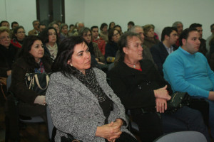 Numeroso público acudió a la presentación.