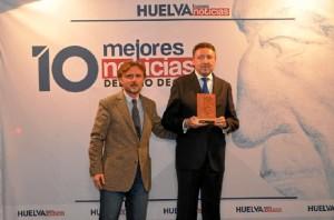 El consejero José Fiscal, con del delegado de la ONCE en Andalucía, Ceuta y Melilla, Cristóbal Martínez.