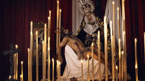 La Hermandad de la Santa Cruz celebra sus primeros cultos en la Parroquia de la Concepción