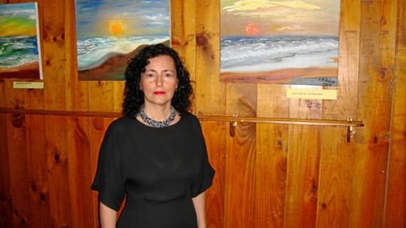 Esperanza Fidalgo presenta su nueva exposición de pintura al óleo titulada 'Mar de Luces'