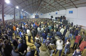 Más de 8.000 personas asistieron a la asamblea.