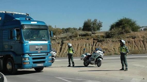Tráfico pone en marcha una campaña para intensificar la vigilancia a  furgonetas