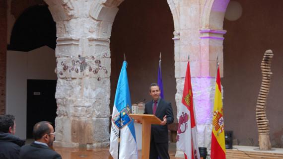 El onubense Juan Carlos de Lara recoge el XXXIV Premio Leonor de Poesía