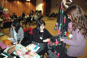 Las firmas onubenses han mostrado sus diseños a compradores extranjeros en un showrrom.