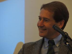 El catedrático Luis Gómez Canseco.