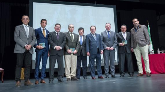 David de Miranda y los ganaderos Fernando Cuadri y Domínguez Camacho recogen los Premios Taurinos de Huelva
