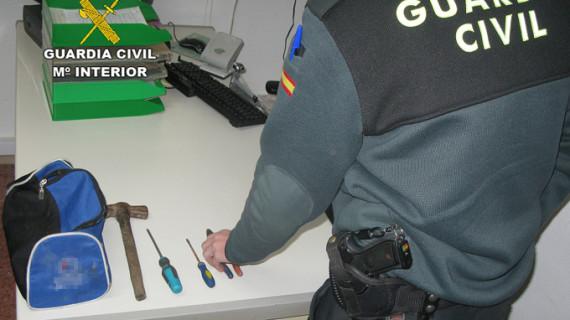 La Guardia Civil sorprende a dos hombres que pretendían robar en el interior de un solar urbano en Almonte