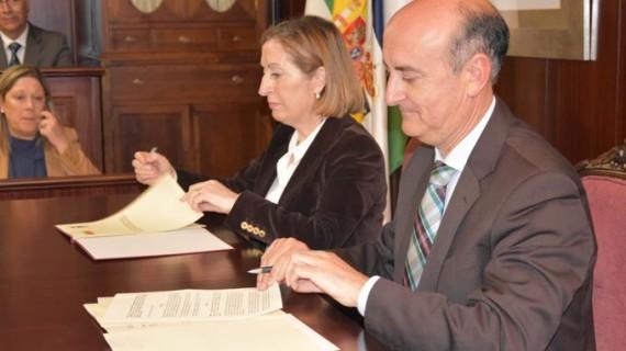 Fomento firma el Protocolo para la ejecución del acceso al Chare de Lepe