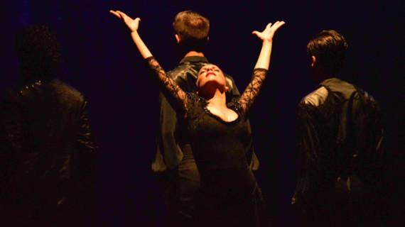 El Premio Nacional de Danza Rubén Olmo llega a Trigueros con la obra 'Buscando a Carmen'