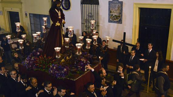 El Cautivo de San Pedro recorrió su feligresía en Vía+Crucis en la víspera de su festividad