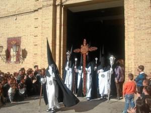 Las puertas del Sagrado Corazón de Jesús se abrían con una hora de retraso.