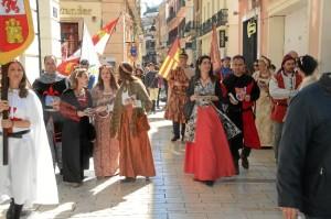 Tras la rueda de presentación, el alcalde de Palos y una comitiva han recorrido las calles de Huelva para invitar a los onubenses.