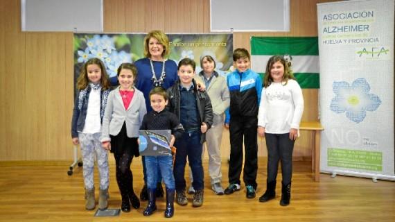 Afa Huelva entrega los premios del concurso escolar sobre la enfermedad de Alzheimer